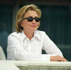 https://www.facebook.com/imwithhillary2016/photos/a.755720284498130.1073741828.755714597832032/1853340724736075/?type=3&theater