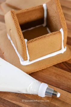 Gingerbread House Icing - Spend With Pennies - Gingerbread House Icing is the perfect royal icing recipe to hold together all of your baked ginger - Royal Icing Recipe For Gingerbread House, Easy Gingerbread House, Gingerbread Icing, Graham Cracker Gingerbread House, How To Make Gingerbread, Best Royal Icing Recipe, Christmas Crafts, Christmas Snacks, Christmas Goodies