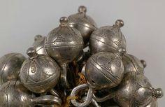 Cast silver buttons (1600) Germanisches Nationalmuseum in Nuremberg.