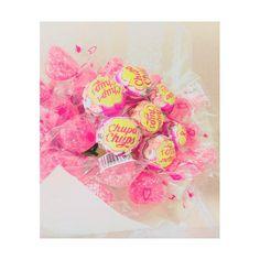 お菓子な花束♡ブーケトスはゲスト全員で楽しめる『キャンディブーケ』できまり♩にて紹介している画像 Diy Wedding, Wedding Flowers, Candy Bouquet, Fika, Wraps, Marriage, Happy Birthday, Diy Crafts, Party