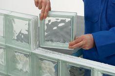 monter-cloison-briques-verre