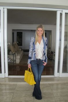 cute outfit the yellow handbag really sets this off ; Blue Jean Outfits, Casual Outfits, Cute Outfits, Work Looks, Work Attire, Work Fashion, Album, Dress Codes, Casual Chic