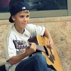 Throwback with my idol. Justin Bieber Fotos, Justin Bieber Baby, Peinado Justin Bieber, Justin Baby, Justin Bieber Pictures, Justin Photos, Justin Bieber Wallpaper, Modelos Calvin Klein, My Little Baby