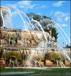 Buckingham Fountain Chicago Architecture Buckingham Fountain, The Second City, Chicago Area, My Kind Of Town, Water Features, Vacation Spots, Great Places, Around The Worlds, Water Fountains