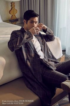 Look at my husband Ross Butler 13 Reasons Why, 13 Reasons Why Netflix, Ross Butler Wallpaper, Ross Fleming, Zach Dempsey, Sun In Taurus, Movie Screenshots, Falling In Love With Him, Lady And Gentlemen
