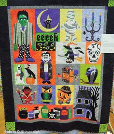 by Marianne Maiorana , California. Pattern by Verna Mosquera. Photo by Quilt Inspiration. Quilting Projects, Sewing Projects, Quilting Ideas, Patchwork Table Runner, Mexican Holiday, Fall Patterns, Halloween Quilts, Fall Quilts, Day Of The Dead