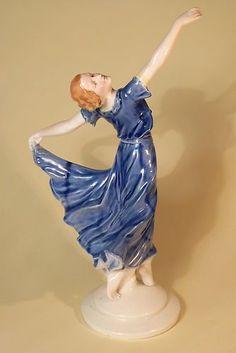 LARGE VINTAGE CONTINENTAL ART DECO PORCELAIN LADY FIGURINE, UK ONLY.