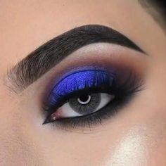 Dramatic Eye Makeup, Eye Makeup Steps, Eye Makeup Art, Colorful Eye Makeup, Dark Makeup, No Eyeliner Makeup, Blue Eye Makeup, Pen Eyeliner, Eyebrow Pencil