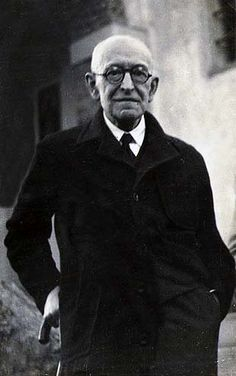 Manuel de Falla was one of Spain's most important composers in the first half of the 20th century. His image was on the 1970 banknote for 100 pesetas.