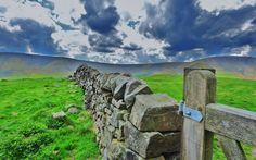 The Pennine Way, Derbyshire by Lee James