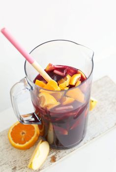 This Traditional Red Sangria has six ingredients and is so flavorful, easy and delicious. Make a batch and invite your girlfriends over for a CPK Margherita oven-ready pizza! Red Sangria Recipes, Red Wine Sangria, Summer Sangria, Peach Sangria, Summer Drinks, Cocktail Recipes, Simple Sangria Recipe, Margarita Recipes, Best Sangria Recipe
