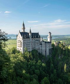This Fairytale Castle Is Closer Than You Think #refinery29  http://www.refinery29.uk/neuschwanstein-castle-germany
