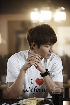 """Heirs"": Lee Min Ho wearing I love California shirt"