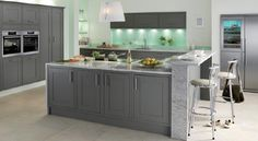 There's even more to the Somerton Fern Kitchen than its rich, earthy tones. View this intricate and boldly sophisticated kitchen style today. Shaker Kitchen, Kitchen Units, Kitchen Ranges, Home Decor Kitchen, New Kitchen, Kitchen Ideas, Kitchen Layout, Kitchen Brick, Kitchen Things