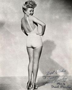 #wcw Betty Grable  #skivviebox #myfavoriteskivvies #instalingerie #intimates #lingeries #subscriptionbox #lingerielife #lingerieaddict #subscription #lingeriewelove #lingerieaddiction #humpday #instagood by skivviebox