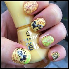 I love this mani and the #enchanted #collection of #moyoulondon ❤️#nails #nailart #instamani #naildesign #autum #stamping #cutenails