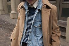 Street Style en Nueva York: camisa y jersey de Madewell y chaleco vaquero vintage de Bill Blass