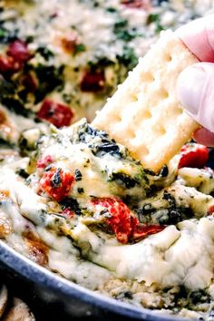 Brie Spinach Dip - my friends could not get over this appetizer! Its your favorite spinach dip made even more delicious with BRIE! Creamy, cheesy and so addicting! Lunch Snacks, Snacks Für Party, Clean Eating Snacks, Party Dips, Party Party, Spinach Dip Bites Recipe, Best Spinach Dip, Appetizer Dips, Appetizers For Party