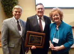 Congratulations to the Rev. Mike Walker, 2014's recipient of the Ed Robb, Jr. United Methodist Renewal Award. Dr. Jim Heidinger presented the award to Mike and his wife Marty at last night's Good News President's Dinner.