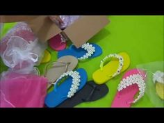 Chinelo com manta de pérolas e stras - YouTube