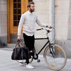 Man look Let's take a ride. Man look - Sweatshirt Mens Gym Bag, Gym Men, Fashion Mode, Mens Fashion, Fashion Outfits, Fashion Clothes, Fashion Bags, Mantel Elegant, Hipster Bart