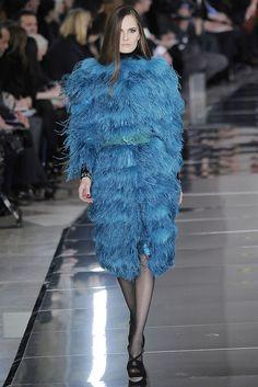 Valentino Fall 2009 Ready-to-Wear Fashion Show - Alla Kostromichova (Marilyn)