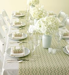 http://rugsforall.hubpages.com/hub/Wedding-Table-Setting-Ideas