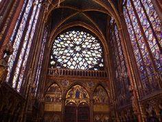 Interior de la Sainte-Chapelle de París. -18