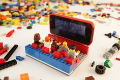 Belkin and LEGO have teamed up to create an iPhone case that allows you to use it as a pallet for LEGOs. The LEGO Builder Case for the iPhone 5 is made out Design Lego, Legos, Lego Boards, Lego Activities, Lego Craft, Lego Builder, Lego Room, Cool Lego Creations, Lego Projects