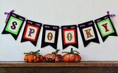 Mira este artículo en mi tienda de Etsy: https://www.etsy.com/es/listing/533732424/punto-de-cruz-spooky-banner