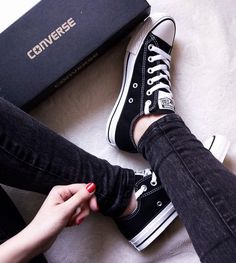 Find images and videos about fashion, style and black on We Heart It - the app to get lost in what you love. Converse All Star, Outfits With Converse, Converse Shoes, Shoes Sneakers, Shoes Heels, Converse Tumblr, Black Converse, Sock Shoes, Cute Shoes