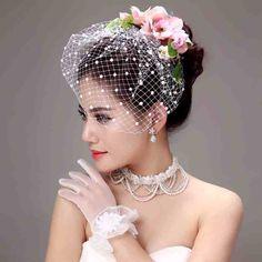 Fascinator Wedding Veil - Wedding and Bridal Inspiration Wedding Fascinators, Wedding Veils, Headpieces, Vintage Birdcage Veils, Flower Veil, Short Veil, Bridal Hat, Veil Hairstyles, Bride Hair Accessories