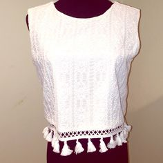 White top Nwt oversized  white sleeveless top 16 in long Pit amsterdam Tops Blouses