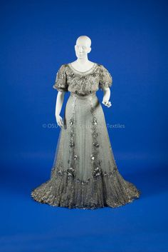 1904-1906, Grey silk beaded long gown