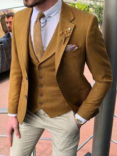 Khaki 3 Pieces Men's Suits Beige Pants Tuxedo Business Plus size Custom. Slim Fit Tuxedo, Slim Fit Suits, Mens Suit Vest, Mens Suits, Chihiro Cosplay, Blue Groomsmen Suits, Wedding Vest, Black Suit Men, Beige Pants