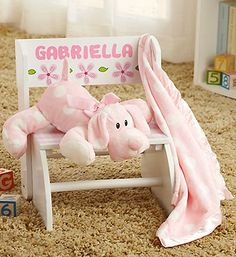Personalized child step stool with puppy and soft blanket. #baby #newbaby #babygifts