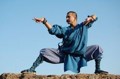 Grandmaster Shifuji Shifuji is the founder, Successor,Great Grandmaster & founder of Indian warrior monks tradition,He is also the founder and father of Mission Prahar-Sashakt Hi Surakshit, Mission. Shaolin Kung Fu, Karate, Kung Fu Martial Arts, Chinese Martial Arts, Tai Chi, Kung Fu Lessons, Fighting Poses, Pose Reference Photo, People Poses