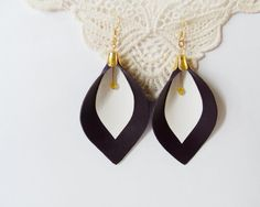 My DIY: Leather calla lily earrings in dark violet and white with yellow faceted gemstone by starryday, $18.00