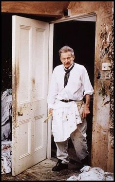 Lucian Freud is known for nude figurative painting and portraits. Lucian Freud, Sigmund Freud, Famous Artists, Great Artists, Monet, Painters Studio, Artists And Models, Painter Artist, Portraits