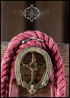 #detail #ring #farm #horse #rope #wedding #photography