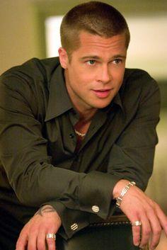 Brad Pitt in Ocean's Twelve - Brad Pitt's most handsome on-screen moments Angelina Jolie, Brad And Angelina, Jolie Pitt, Brad Pitt Short Hair, Brad Pitt Haircut, Cool Haircuts, Haircuts For Men, Men's Haircuts, Catherine Zeta Jones