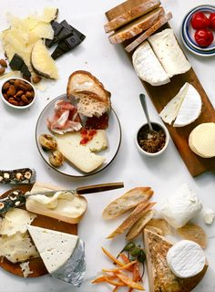 ideas cheese food photography breakfast for 2019 I Love Food, Good Food, Yummy Food, Cheese Platters, Cheese Food, Party Platters, Wine Cheese, Bratwurst, In Vino Veritas