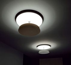 The joint allows a 60 degreesrotation from the diffuser, so that it ispossible to change the direction of thelight. The front reflector is available inthree powder coated colors; the backreflector installed on the wall or on theceiling comes only in white for greaterreflectivity. #BACK PL ceiling lamp by Itama by Light4