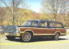 1967 Ford Country Squire - A Picture Review of the Ford from 1965-1974