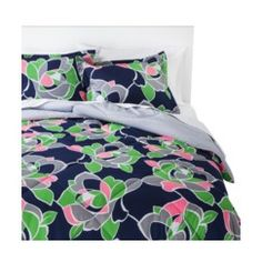 Room Essentials® Reversible Rose Comforter Quick Information
