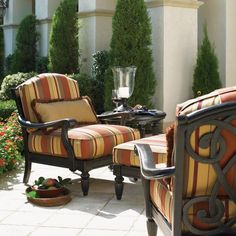 Tommy Bahama Kingstown Sofa with Pillows
