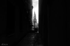 Alley to the Cathedral - null