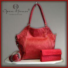 La moda es mejor sentirla que envidiarla. Info. www.openhouse.com.co #openhousecuerocolombiano #moda #boutique #bags #carteras #openhouse #shop