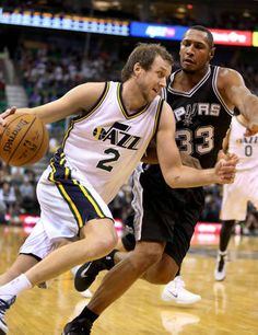 Utah Jazz forward Joe Ingles (2) drives on San Antonio Spurs forward Boris  Diaw 689dc77eb