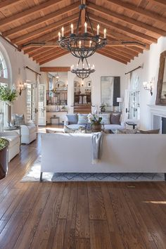 Ex-Supermodel Tyra Banks Lists Spanish-Style Estat Hacienda Style Homes, Spanish Style Homes, Spanish House, Spanish Style Interiors, Spanish Home Decor, Spanish Interior, Spanish Style Kitchens, Modern Spanish Decor, Spanish Colonial Decor